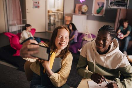 Modulgebäude schaffen flexiblen Raum für steigende Schülerzahlen und neue Lernkonzepte