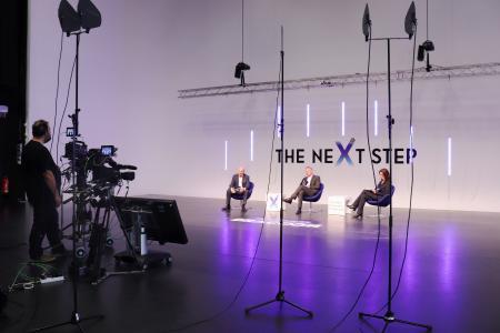 Arved Graf von Stackelberg, Marc Schieder und Sabina Wolf beim Live Online-Event THE NEXT STEP