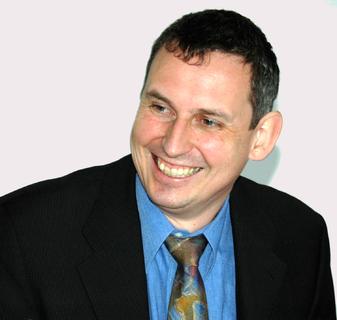 """Klaus Nitschke, Bereichsleiter Utilities/CRM bei der cormeta ag: """"Die positive Entwicklung unseres IS-U-Bereiches spiegelt sich in unserem neuen Messeauftritt wider. Erstmals sind wir mit einem eigenen Stand auf der E-world vertreten und können Interessenten und Kunden noch besser beraten."""" Von der E-world 2010 erwartet Nitschke starke Impulse für das eigene Geschäft."""