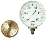 1924 gelingt mit dem Kapselfeder-Manometer der Einstieg in die Druckmesstechnik. Heute bietet AFRISO ein komplettes Sortiment an mechanischen und elektronischen Druckmessgeräten für nahezu jede Branche