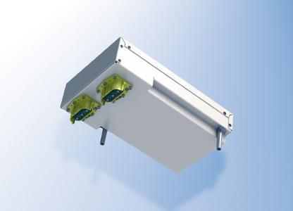 Der Kondensator ist direkt an den Kühlkörper angebunden, an dem wiederum alle Bohrungen und Befestigungen für die Restelektronik angebracht sind