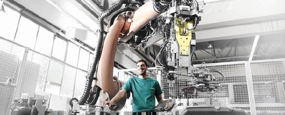 Die deutsche Robotik und Automation ist auf Wachstumskurs: Das Umsatzvolumen stieg zuletzt auf einen neuen Rekord von 12,8 Milliarden Euro (2016). Für das laufende Geschäftsjahr prognostiziert der VDMA ein Wachstumsplus von 7 Prozent