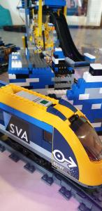 Lego-Skittle-Train by SVA = Container-Technologie