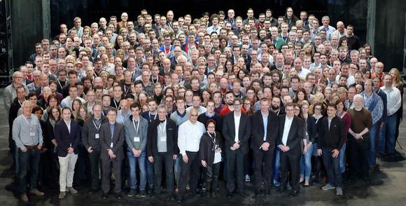 Von 10 auf 350 in 20 Jahren: Die Mitarbeiter der KUMAVISION Ende Januar in Stuttgart
