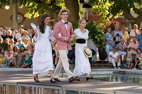 Modenschau zum Jugendstilfestival in Bad Nauheim