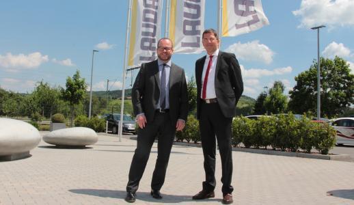 (v.l.n.r.) Dr. Gunther Wobser, Geschäftsführender Gesellschafter bei LAUDA und Dr. Ralf Hermann, neuer Geschäftsleiter Temperiergeräte bei LAUDA