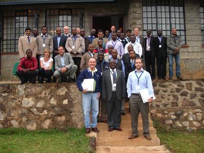 Mit einem einwöchigen Lehrgang haben die Energiebau Solarstromsysteme GmbH, die SCHOTT Solar AG und die SMA Solar Technology AG im Juni 2011 die German Solar Academy in Nairobi, Kenia, eröffnet