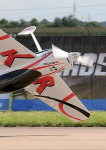 Das Modellflugzeug, eine PM42 3, in das die Luftkühlung eingebaut wurde / Es wiegt 19 kg und hat eine Spannweite von 3,1 Metern