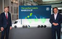 Wolf-Henning Scheider, Vorsitzender des Vorstands der ZF Friedrichshafen AG (links), und Fredrik Staedtler (rechts), der die neue Division Commercial Vehicle Control Systems leiten wird, Bild: ZF