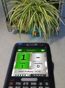 Jetzt noch mehr Funktionen: der RFID-Handscanner identGALA 1200
