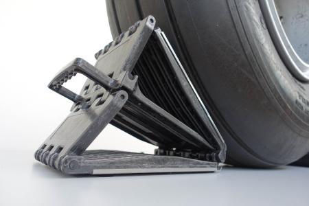 Der patentierte neue Chock MAX von Alphachocks, den die Nägeli Swiss AG fertigt, verdeutlicht die Möglichkeiten des revolutionären aCC-Verfahrens bei der Herstellung von 3D-Form- und Strukturteilen aus Faserverbund.