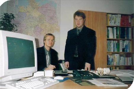 1999 – First Office PlanET Biogastechnik GmbH (v.l. Jörg Meyer zu Strohe und Hendrik Becker)