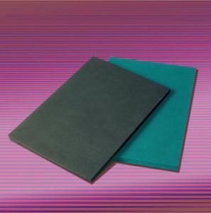 ACE-SLAB Dämpfungsplatten in zwei Varianten: Serie-D für den flächigen Abbau von Stoßbelastungen, Serie-F für die Verzögerung von Schwingungen