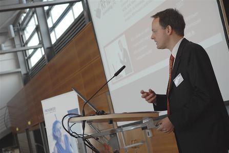 Marc Houben, Leiter der Geschäftsstelle des VDEB, bei der Begrüßung