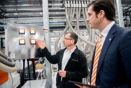 Weidmüller Energiemanagement: Weidmüller bietet als Partner bei der Umsetzung von Energiemanagementsystemen gemäß ISO 50001 umfassende Unterstützung und bringt seine fundierte Beratungs- und Konzeptionskompetenz ein
