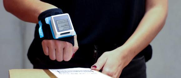 industrial wearable nimmsta mit Flexus Screen_SAPAnwendung auf NIMMSTA HS 50