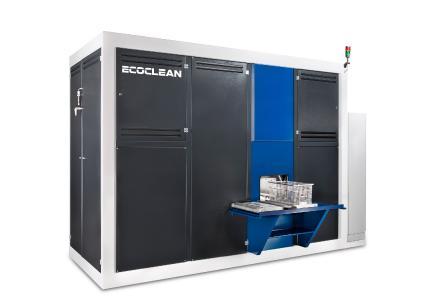 Die Vollvakuum-Lösemittelreinigungsanlage EcoCcompact lässt sich durch bis zu drei Flutbehälter und zahlreiche Standardoptionen optimal an die spezifische Aufgabe anpassen (Bildquelle: Ecoclean GmbH)