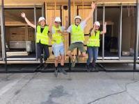 """Die Studenten Zara, Emiel, Jasper und Jolien freuen sich über die Auszeichnungen für ihr """"Mobble"""" / Fotos: VARTA Storage GmbH"""