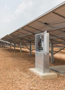 Weidmüller Photovoltaik-Lösungen: Die kompakten Generatoran¬schluss-kästen PV SMART sind für Photovoltaikanlagen mit 1.000 VDC bzw. 1.500 VDC konzipiert