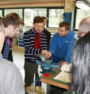 """""""Do-it-yourself"""" und Didaktik der Dämpfungstechnik: Die Praxis-Workshops von ACE vereinen beides zur vollen Zufriedenheit der Teilnehmer"""