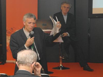 Francis Balestra (left) during his presentation on the first NEREID Workshop on December 1st, 2015 in Berlin