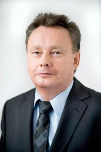 Dr. Josef Staub, managing director of the Schneider Group. In charge of Development, Sales and Risk Management.