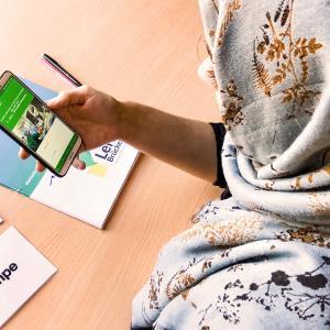 """""""Durch die neue Lern-App kann das Haus Jona Bildungsinhalte spielerisch und attraktiv an den Jugendlichen weitergegeben. Somit werden Integration und Sozialkompetenzen durch die Lern-App beeinflusst und gefördert.""""  © Jona Haus"""