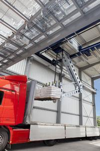 The HAVER SpeedFlexx, a fully automatic direct truck-loading system expands HAVER & BOECKER' s product range of packing and loading technology
