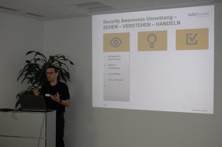 InfoGuard Head of Marketing Reinhold Zurfluh erläutert das Konzept der Security Awareness.