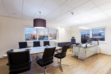 Auch Kunden und Partner können die neuen Meetingräume der HARTL GROUP nutzen. (Bild: HARTL GROUP)