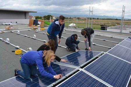 Schülerbauen Solaranlage
