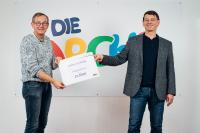 "Arche-Gründer Bernd Siggelkow (links) hat 2020 die ""virtuelle Arche"" aus der Taufe gehoben (rechts: lekker-Pressesprecher Robert Mosberg) / Fotoquelle: Arche"