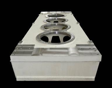 Die Genauigkeit der SHW Werkzeugmaschine bei der Bearbeitung großer Werkstücke beeindruckt