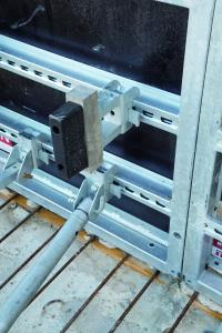 The spacer attached to the back of the NOEtop S panels allows the units to be easily and safely transported.