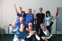 Mitarbeiter der Lungenklinik Gauting bei der ersten Schulung mit Humorcoach Mirjam Avellis, Quelle: Asklepios Fachkliniken München-Gauting