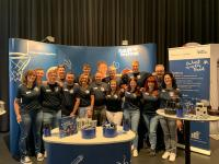 Eine starkte Mannschaft – die Auszubildenden mit Geschäftsführer Dr. Michael Seibold, Vertretern der Personalabteilung und Ausbildern