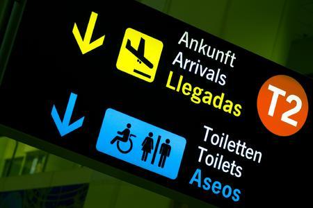 Kann man demnächst nur noch auf dem Flughafen gratis aufs stille Örtchen? Der Online-Reiseservice Opodo fragte bei Deutschen nach, was sie von möglichen zukünftigen Servicegebühren der Airlines halten. (Foto: Opodo Ltd.)