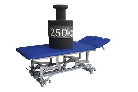 Die neue Therapieliege ATLAS von Schupp für schwer- und übergewichtige Patienten ist bis 250 Kilogramm belastbar.