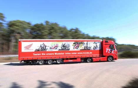 Probefahrt gefällig? Der Truck mit Honda Testbikes tourt quer durch Deutschland