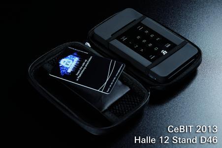 CeBIT 2013: Hochsicherheitsfestplatte HS256S