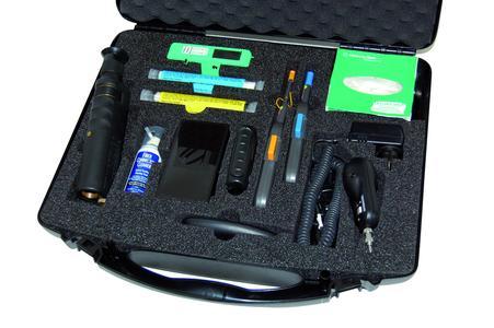 Das Spektrum reicht vom Standard-Reinigungskoffer bis hin zur High-End-Ausführung mit Videomikroskop.