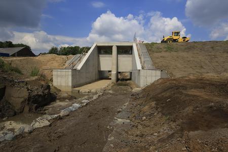Goldhammer Bac fließt nun bereits durch das neue Hochwasserrückhaltebecken