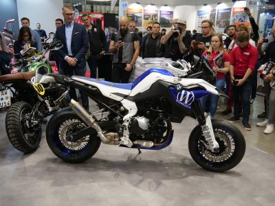 Great crowd at the presentation of the Wunderlich BMW F 850 »SuMo« SuperMoto at the EICMA 2018 in Milan