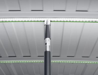 Die neue Zurrschiene mit integrierter LED Beleuchtung von bott spart Platz und leuchtet den Laderaum ökonomisch und hell aus.