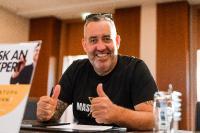 Ralf Schmitz ist Affiliate-Marketer der ersten Stunde und hat durch diese Tätigkeit viele eigene Programme ins Leben gerufen.