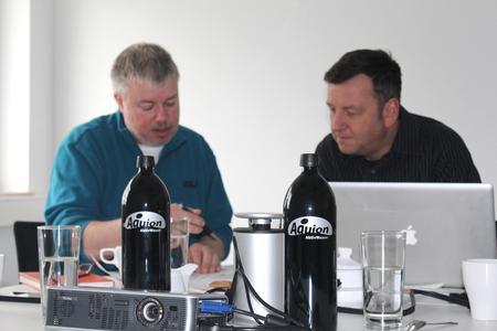 Salux-Geschäftsführer Johannes Heppenheimer und Karl-Heinz von Lackum im Gespräch
