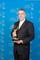 Dwight Lindsey, CEO von Schneider Optics, Inc. mit dem Emmy Award