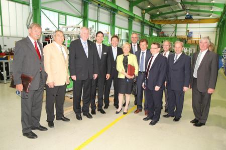Gruppenbild mit der Delegation - angeführt von Ministerpräsident Horst Seehofer (3. von links)