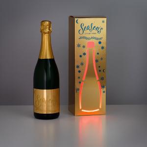 Die Verpackung unterstützt das Produkt in seiner Wirkung. Keine Druckveredelung kann wie eine Leuchtreklame leuchten. Gedruckte Elektronik erzeugt einen echten Wow-Effekt.