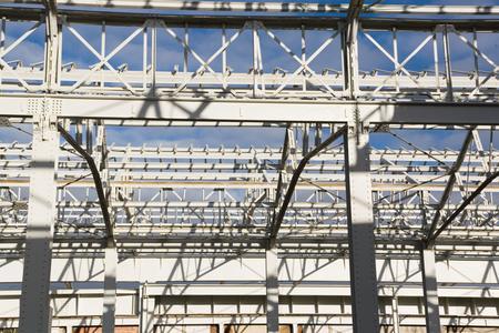 Bei der Vielschichtigkeit der Stahlkonstruktion erwies sich die Lackierung in einem Arbeitsgang als entscheidender wirtschaftlicher Vorteil.